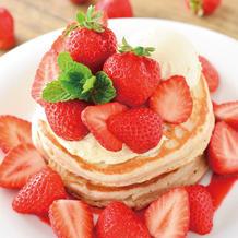 3月・4月限定、旬のいちごをたっぷり使ったあまおうパンケーキが登場!